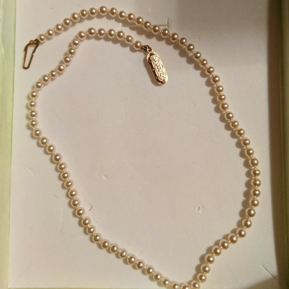 "Jewelry - Costume PearlNecklace 15.5""Yellow GoldPlated Clasp"